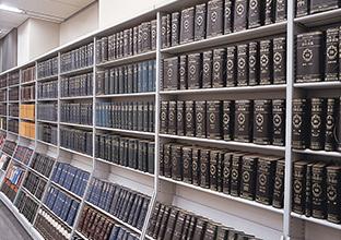 総巻数が100巻137冊に到達。 イメージ