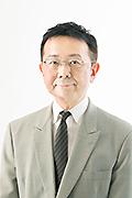 柳 与志夫氏