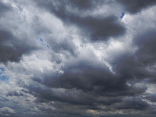 暗雲の立ち込める被災地