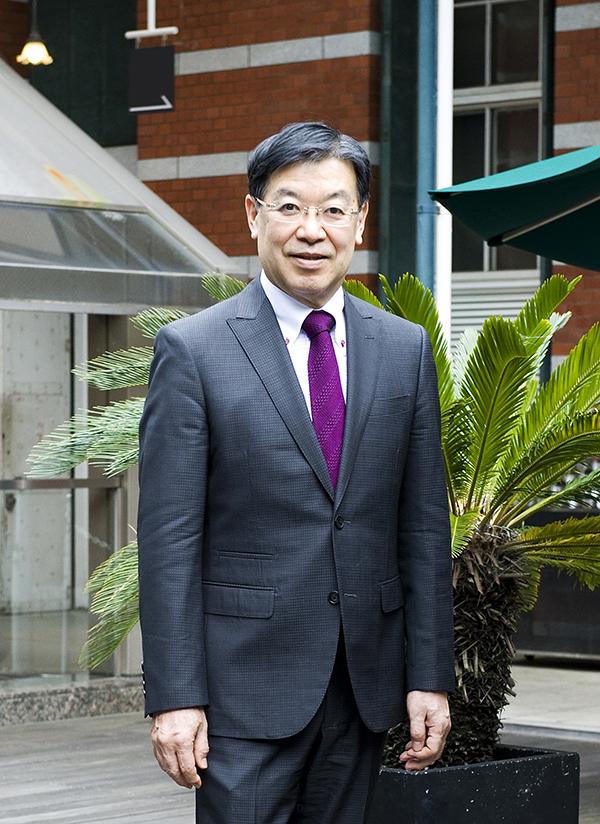 山田啓二氏(京都産業大学教授元全国知事会会長)